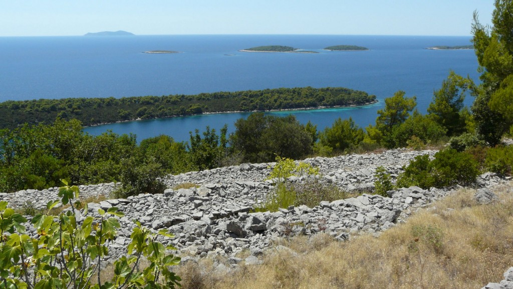 accommodation-korcula-karbuni-stone-terraces